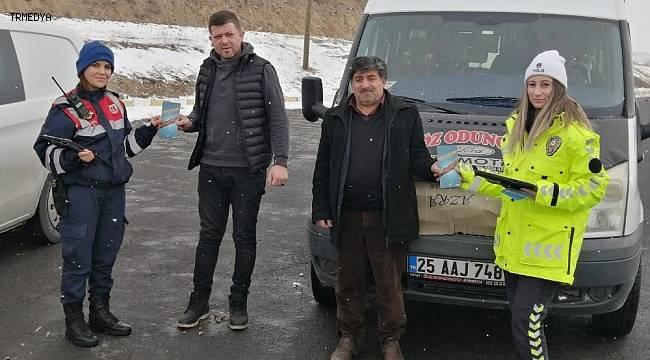 Erzurum Köprüköy'de Jandarma ve Polis ortak trafik uygulaması yaptı