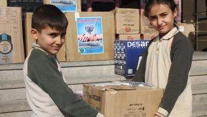 Van'daki köy okuluna öğrencilerinden kırtasiye desteği