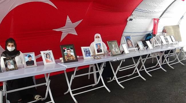 HDP önündeki ailelerin evlat nöbeti 263'üncü gününde