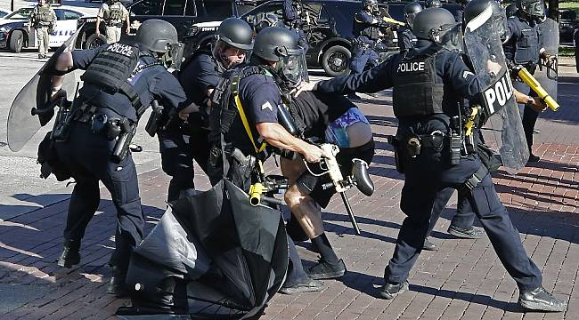 Teksas'ta protestolar nedeniyle OHAL ilan edildi