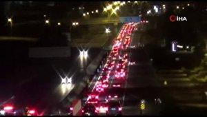 Şehirler arası seyahat kısıtlamasının ardından trafik yoğunluğu oluştu