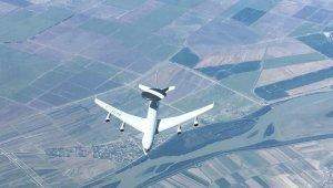 """""""NATO'ya ait AWACS uçağına, 23.000 feet irtifada yakıt ikmali yapıldı"""""""