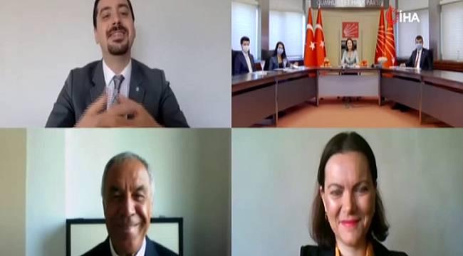 CHP'de partiler arası bayramlaşma video konferansla yapıldı