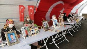 HDP önündeki ailelerin evlat nöbeti 341'inci gününde