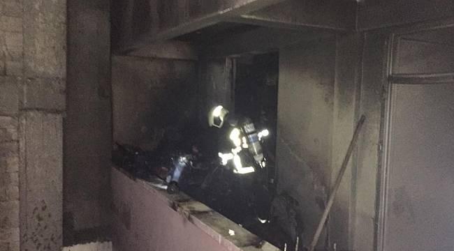 Yangına müdahale eden itfaiyeciler büyük tehlike atlattı