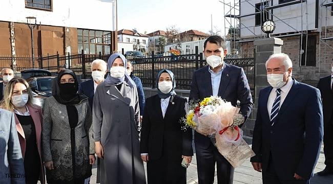"""Bakan Kurum: """"Ankara'da bugüne kadar 91 bin 500 konutun yapımını tamamladık"""""""