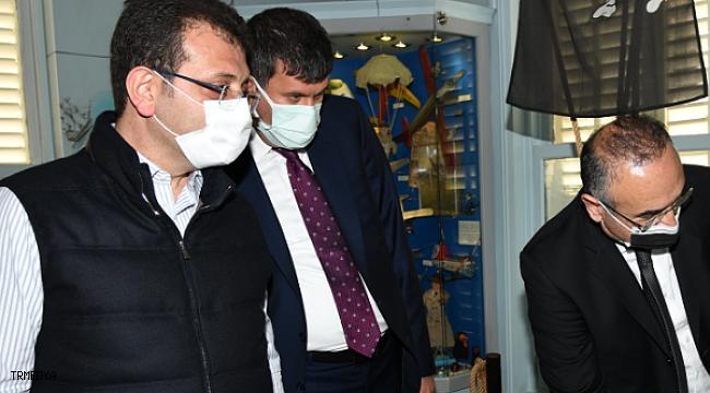 İmamoğlu'ndan 23 Nisan'da Kadıköy'e sürpriz ziyaret
