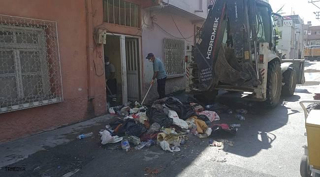 Evden 9 kamyon çöp çıkarıldı