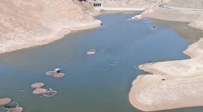 Kuraklık göl ve barajların su seviyesini düşürdü